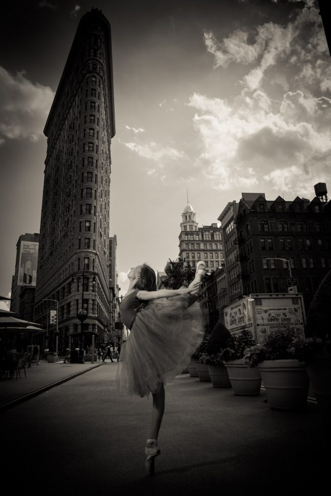 ballet dance pointe NYC flat iron building teen photography