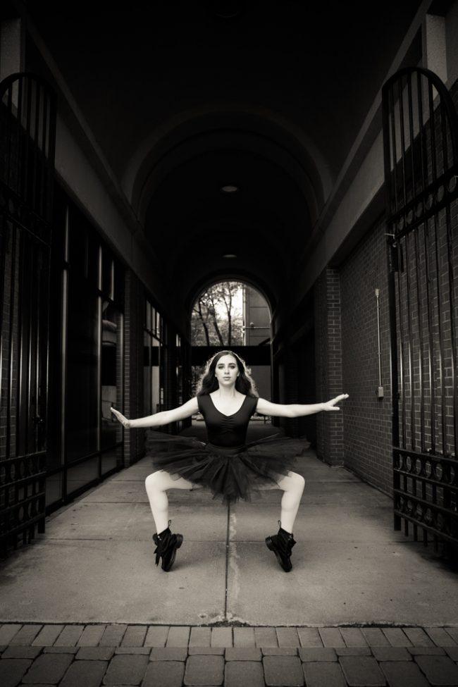 dance_edgy_ballet_contemporary_boots_blackandwhite_132_H
