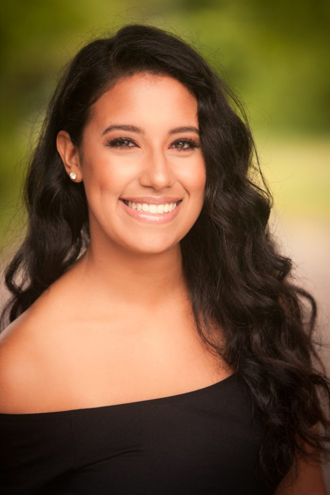 headshots_beauty_beautiful_casual_happy_hartford_riverfront_052_J