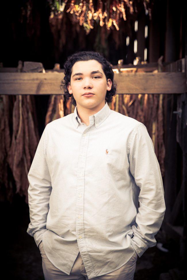 portrait_male_guy_tobacco_barn_casual_033_H